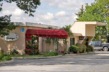Days Inn Hicksville New York.  11801. Hotel, Motel, Lodging. Cheap Discount Pricing for Days Inn Hotel.